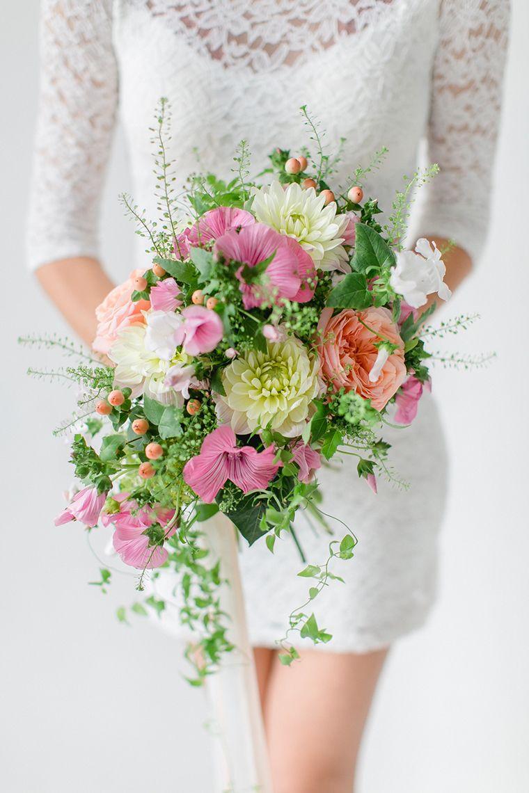 Blume Des Monats August Malve Blumenstrauss Hochzeit Blumenschmuck Hochzeit Blumengestecke Hochzeit