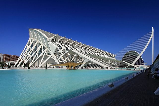 Ciudad De Las Artes Y Las Ciencias City Of Arts And Sciences Santiago Calatrava Structural Engineering Architecture