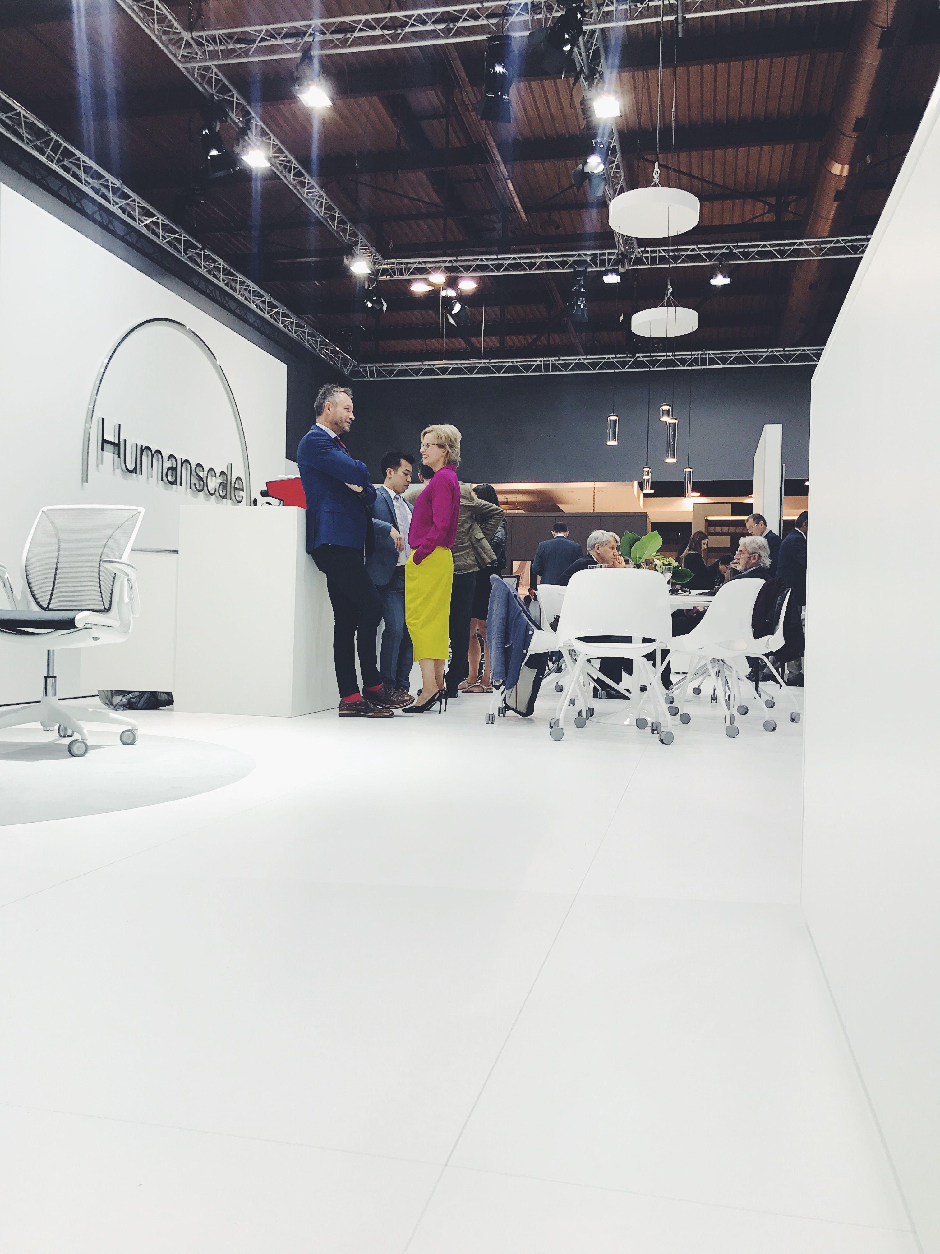 Kate Interieur Design Impressies.Humanscale S Salone Del Mobile Milano 2017 Booth During Milan