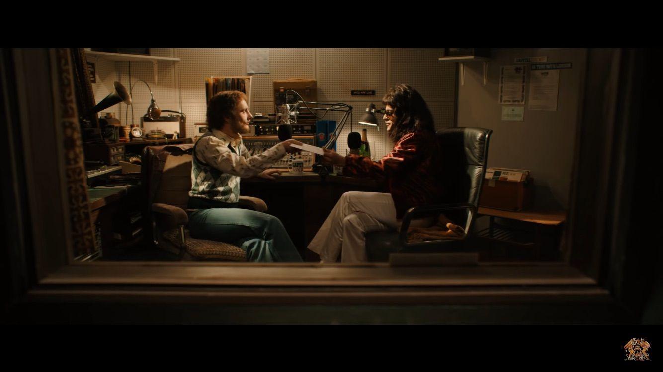 Rami Malek And Dickie Beau In Bohemian Rhapsody 2018 Bohemian Rhapsody Queen Rock Band Free Hd Movies Online
