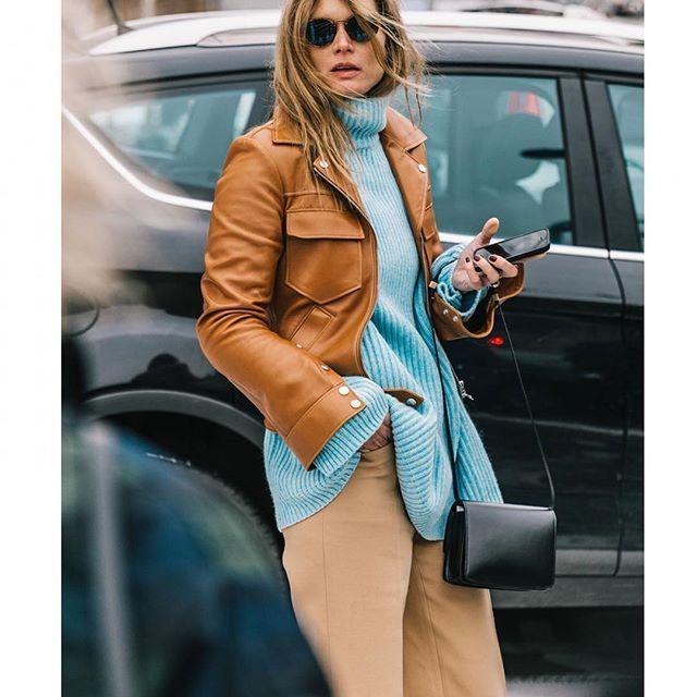 #parisfashionweek @parisfashionweek | 📸 @collagevintage2 @voguespain #streetstyle #streetfashion #fashion #fashionweek #paris #fall18 #aw18 #pfw
