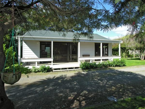 Explore Waikanae Beach Holiday Accommodation with family