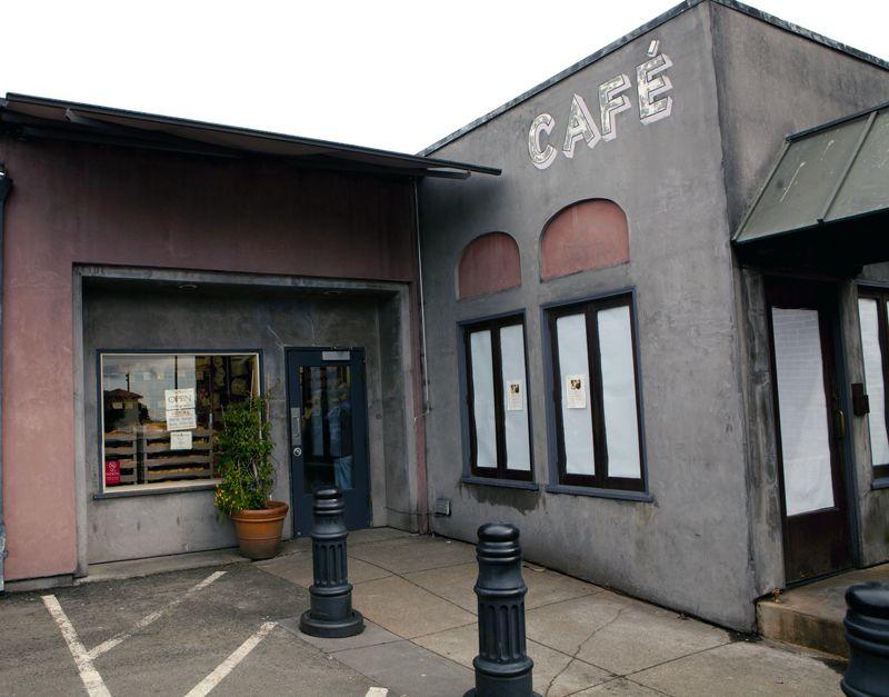 Looks liks Café Fanny has closed its doors. (April 17, 2012, Berkeley, CA)
