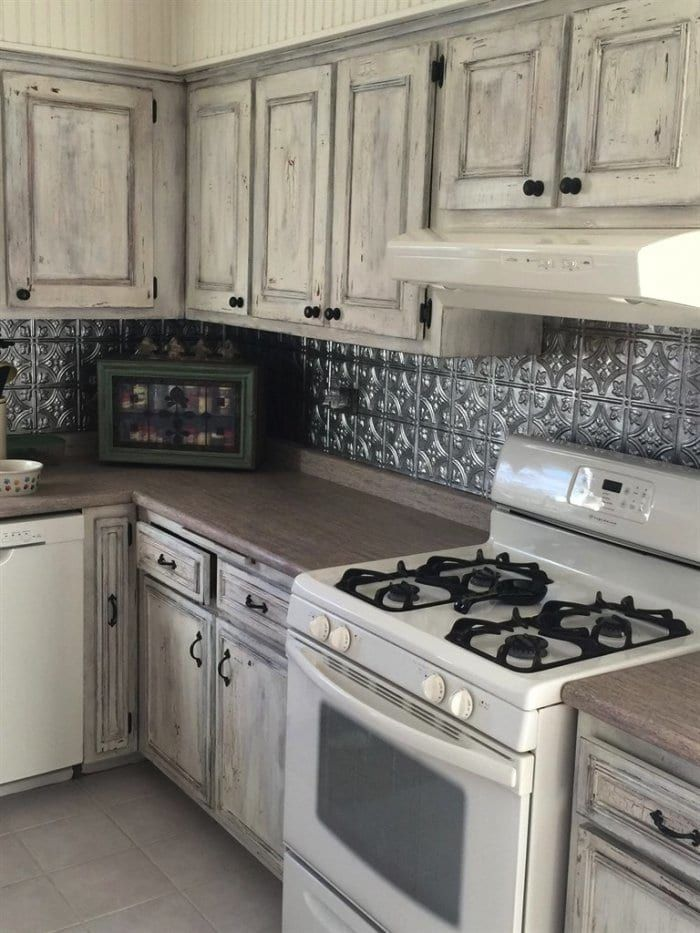 Best How To Choose Kitchen Cabinet Colors Distressed Kitchen 640 x 480