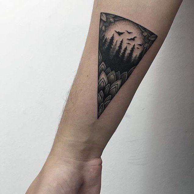 #armtattoo by @sashatattooing /// #⃣#Equilattera #Tattoo #Tattoos #Tat #Tatuaje #tattooed #Tattooartist #Tattooart #tattoolife #tattooflash #tattoodesign #tattooist #tattooer #bestoftheday #original #Miami #Mia #Venezuela #awesome #love #ink  #art #linework #dotwork #bird #black #mandala #forest #geometrictattoo.  Posted by @WazLottus