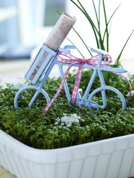 Geldgeschenke basteln 8 kreative ideen nice things - Garten gutschein basteln ...