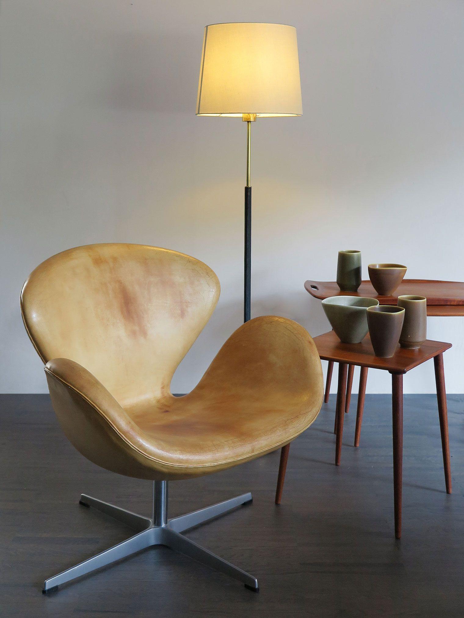 Poltrona Swan By Arne Jacobsen Per Fritz Hansen Tritico Tavolini