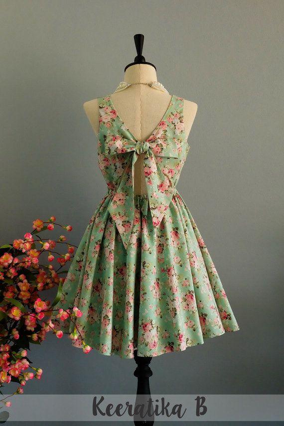 c014cc3fd7 Une partie V Lolita robe robe dos nu par LovelyMelodyClothing