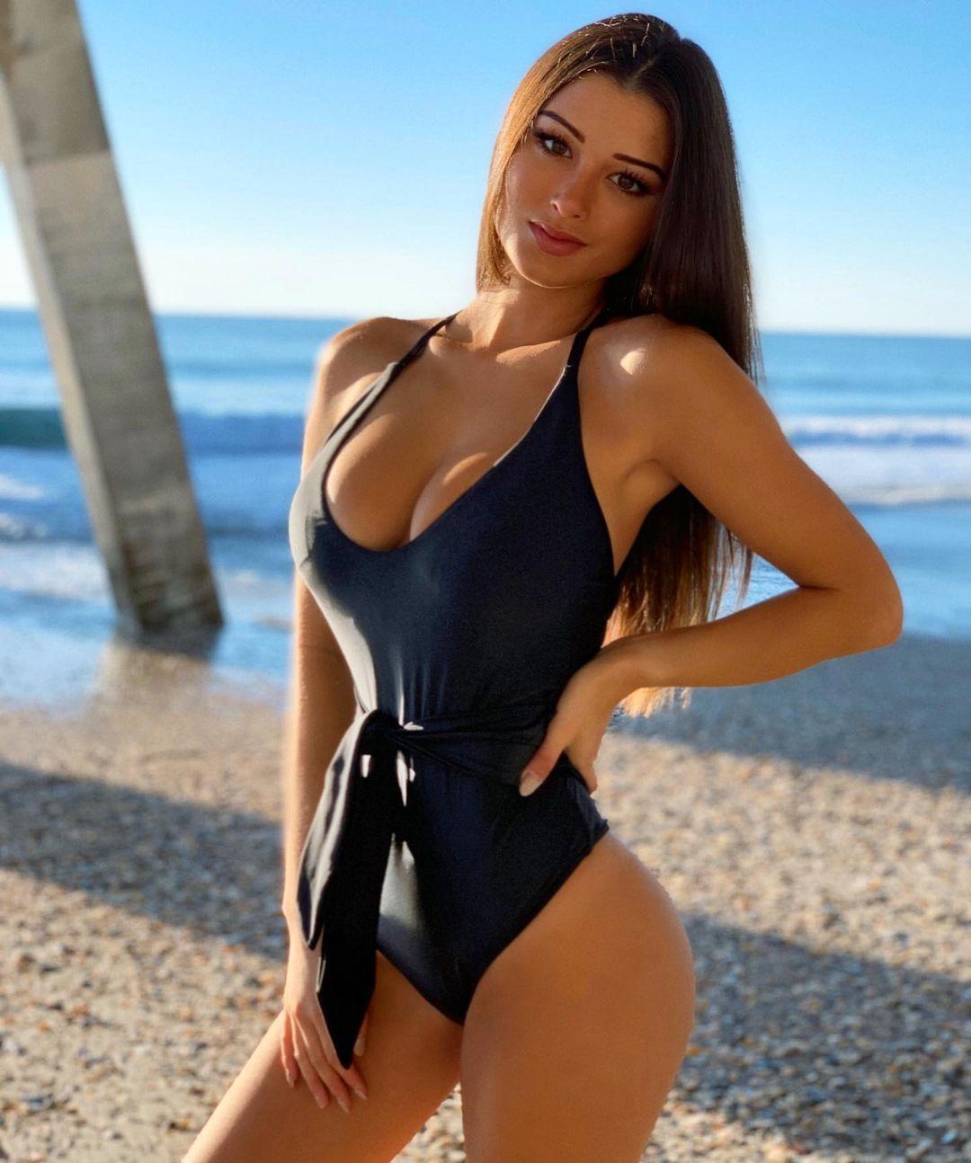 Kang keilah Bikini Model