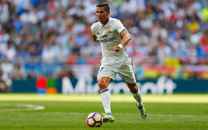 Lataa kuva Cristiano Ronaldo, Portugalin jalkapalloilija, Real Madrid, kuolaaminen, jalkapallo, stadion, Espanja