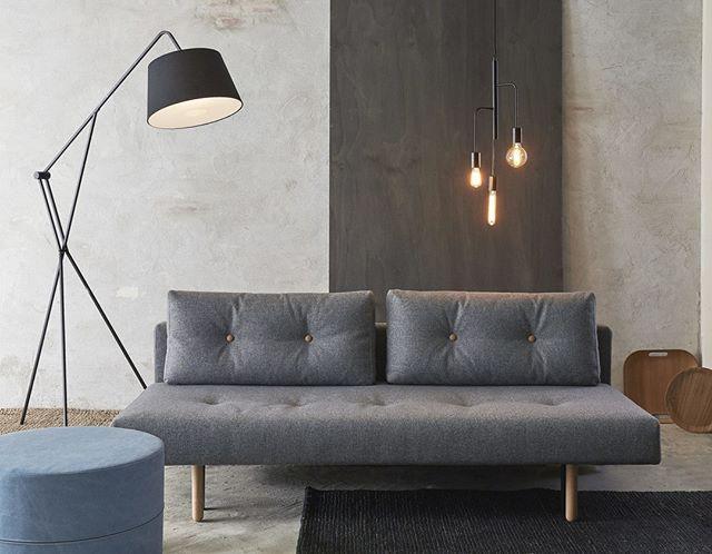 Loke sovesofaen fra @InnovationLiving, har det HELT rigtige look, den GODE komfort og den ...