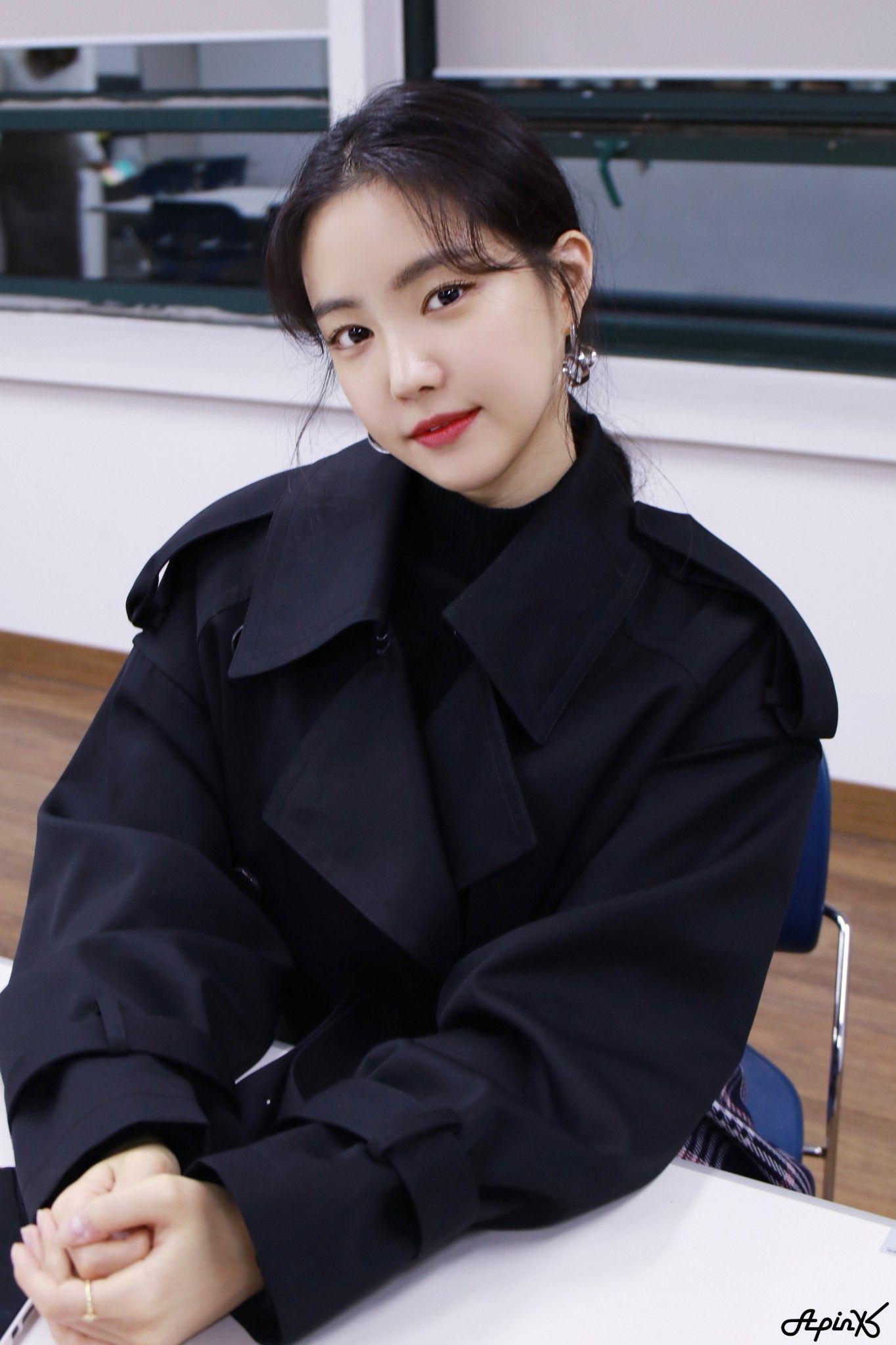 Son Na Eun Apink 181017 | 케이팝 패션, 세련된 의상, 패션 스타일