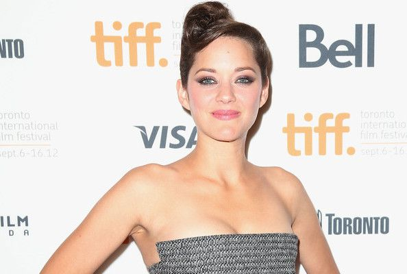 Why Marion Cotillard Deserves to Win a Golden Globe Sunday and Probably Won't