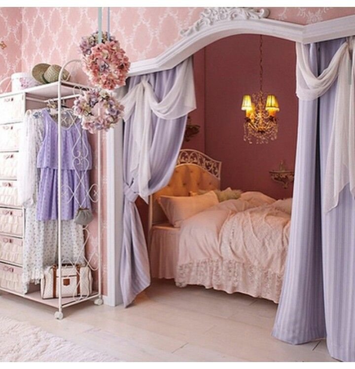 Tucked Away Bed With Crown Molding For Teens Room