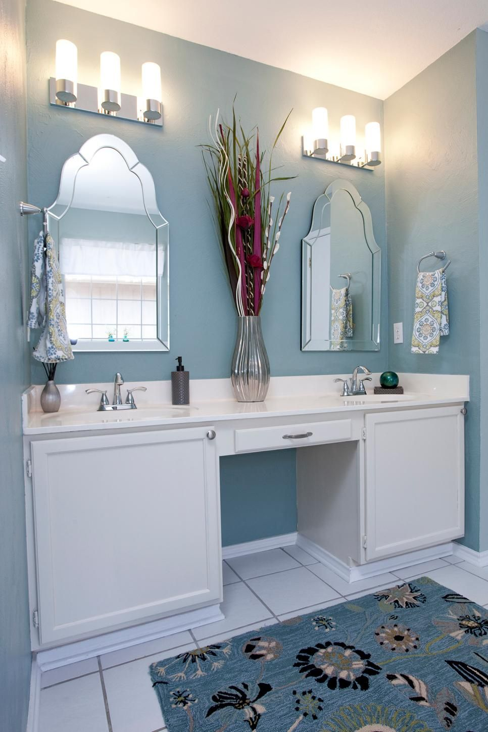 Easy Home Upgrades From HGTVs Buying And Selling Jonathan Scott - Renovate your own bathroom