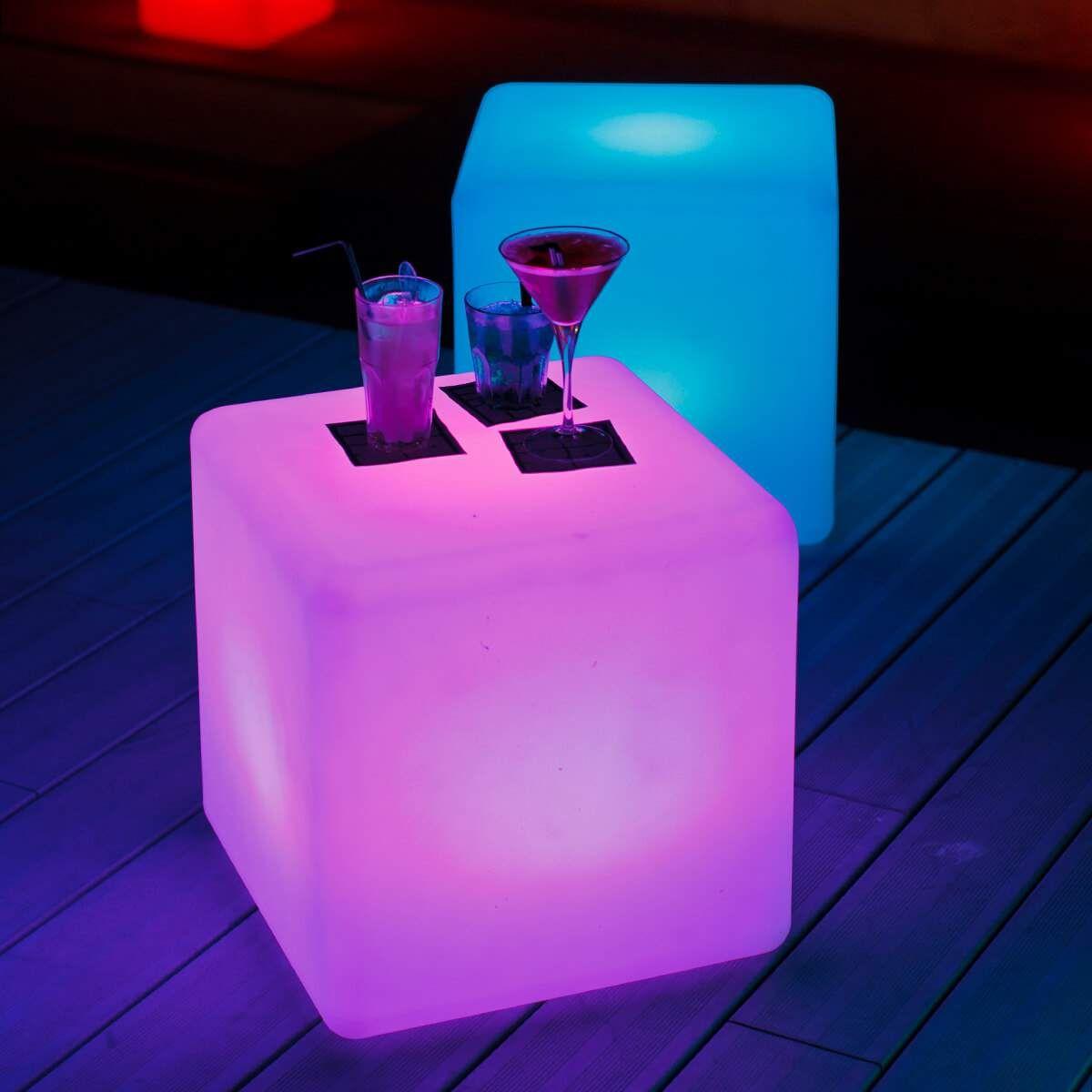 Cube Ein Leuchtender Wurfel Fur Draussen Schwimmlichter Leuchten Und Led