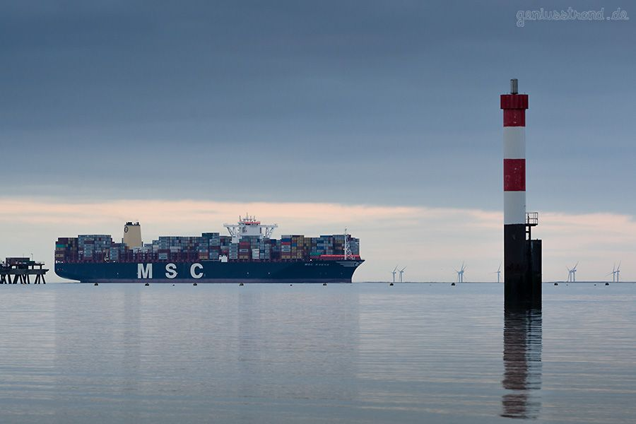 JADEWESERPORT Wilhelmshaven Containerschiff MSC SVEVA (L