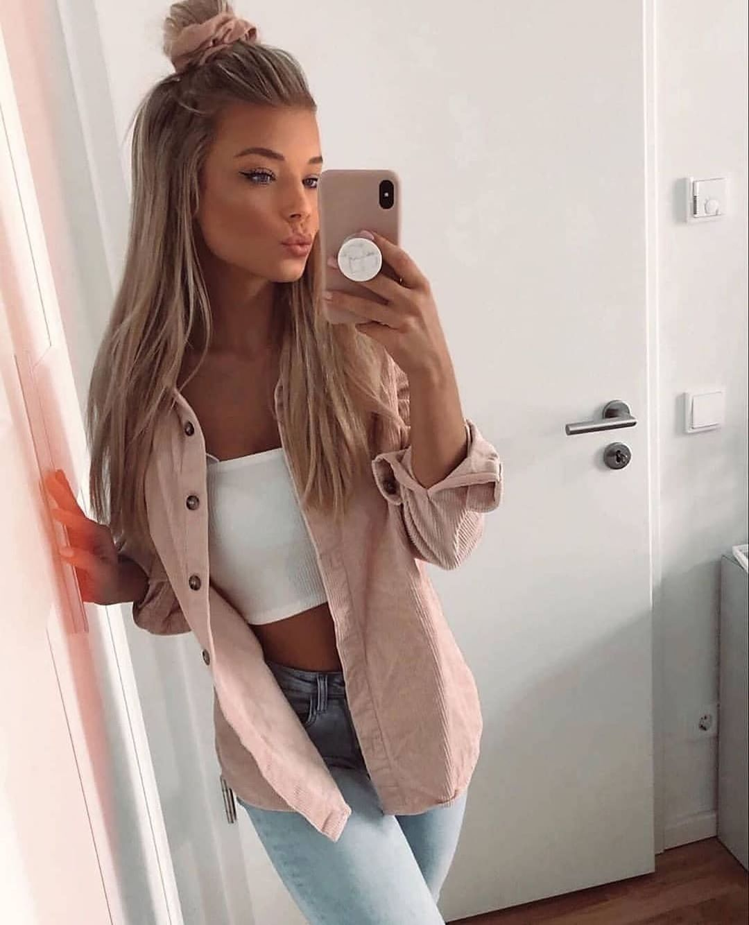 Beautiful look  #lookoftheday  Check @ootd for more! : DM please...