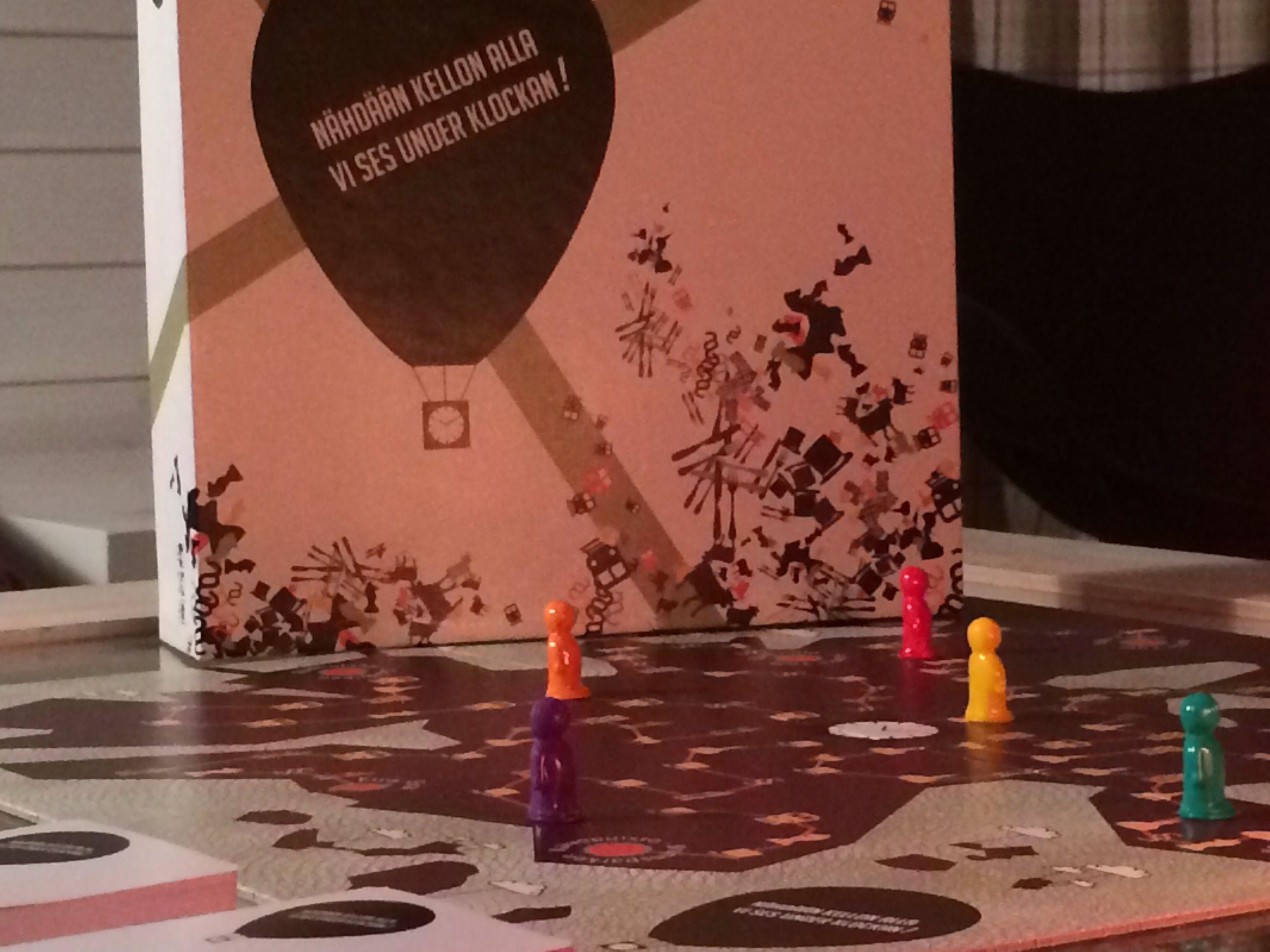 #ornamo #design #joulu #christmas #joulumyyjäiset #designjoulumyyjäiset #designjoulumyyjaiset #designjoulumyyjaiset #nähdäänkellonalla #visynsunderklockan #peli #game #lautapeli #boardgame #lifestyle #helsinki #finland #event #familyevent #tapahtuma #perhetapahtuma #kaapelitehdas