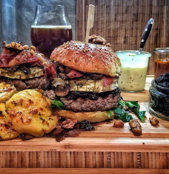 DER Winterburger - Foodporn aus Fleisch, Ziegenkäse und viel Burger -