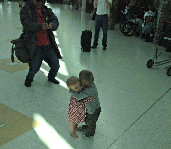 Y estos dos pequeños que se conocieron por primera vez.