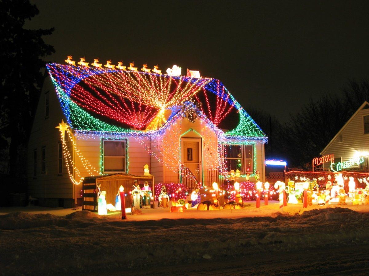 enchanting outside christmas light ideas outdoor decorating with creativity to fill the blank space along christmas - Cool Christmas Light Ideas