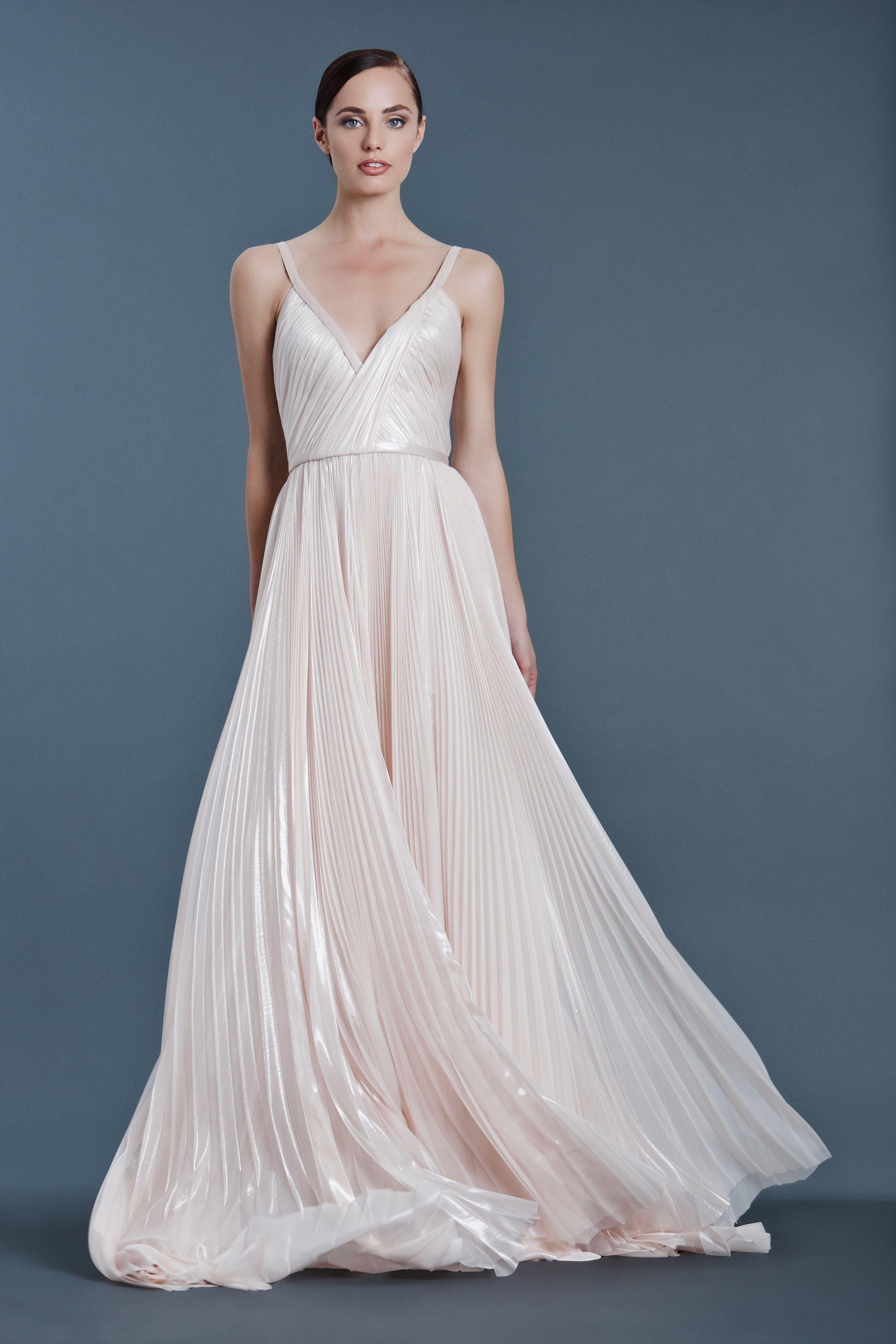 J Mendel Bridal Fall 2016 Fashion Show J Mendel Bridal Wedding Dresses Modern Wedding Dress
