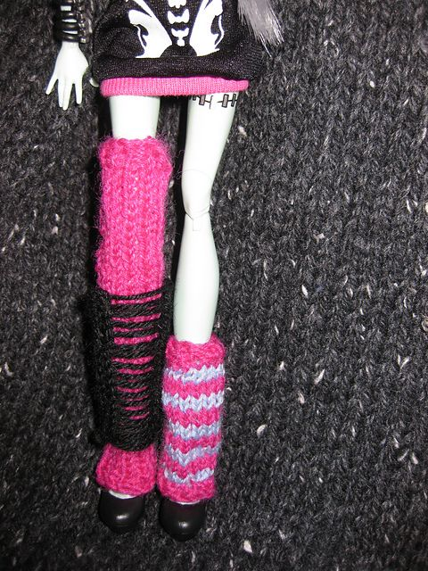 Ravelry: Monster High Doll Leg Warmers free knitting pattern by Mrs ...