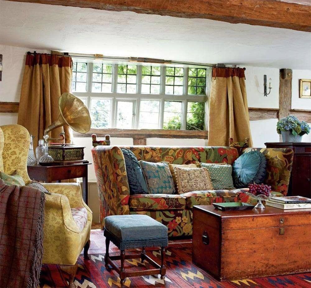 40 Cozy Small Living Room Ideas For English Cottage: Keltainen Talo Rannalla: Englantilaisia Koteja