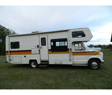 1984 Ford Honey   lets go national parking!   Travel trailers for