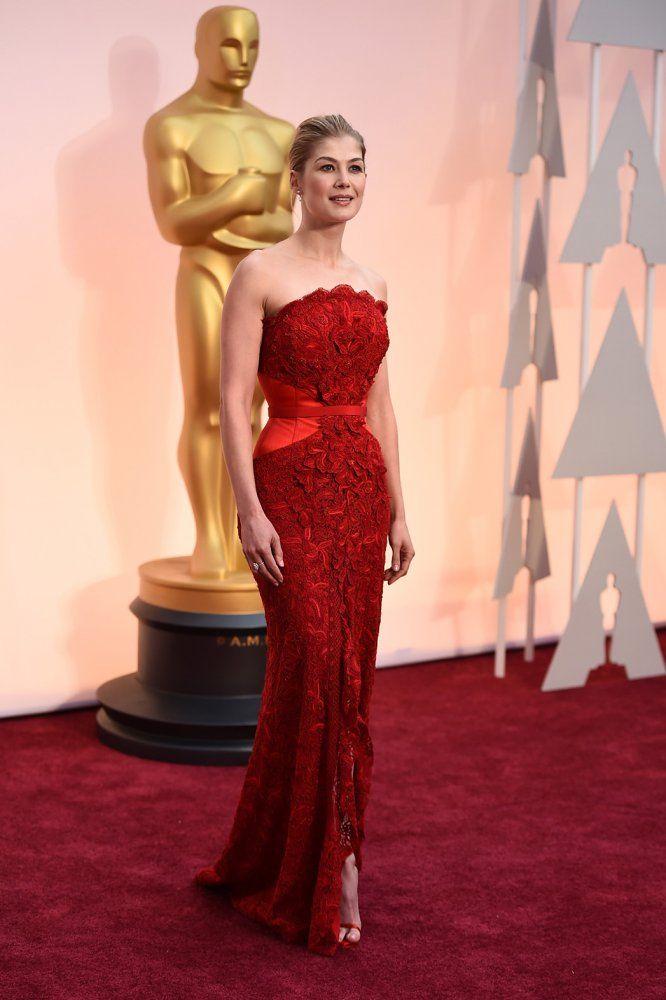 Rosamund Pike's Oscars 2015 Red Carpet Dress - Hollywood Reporter ...