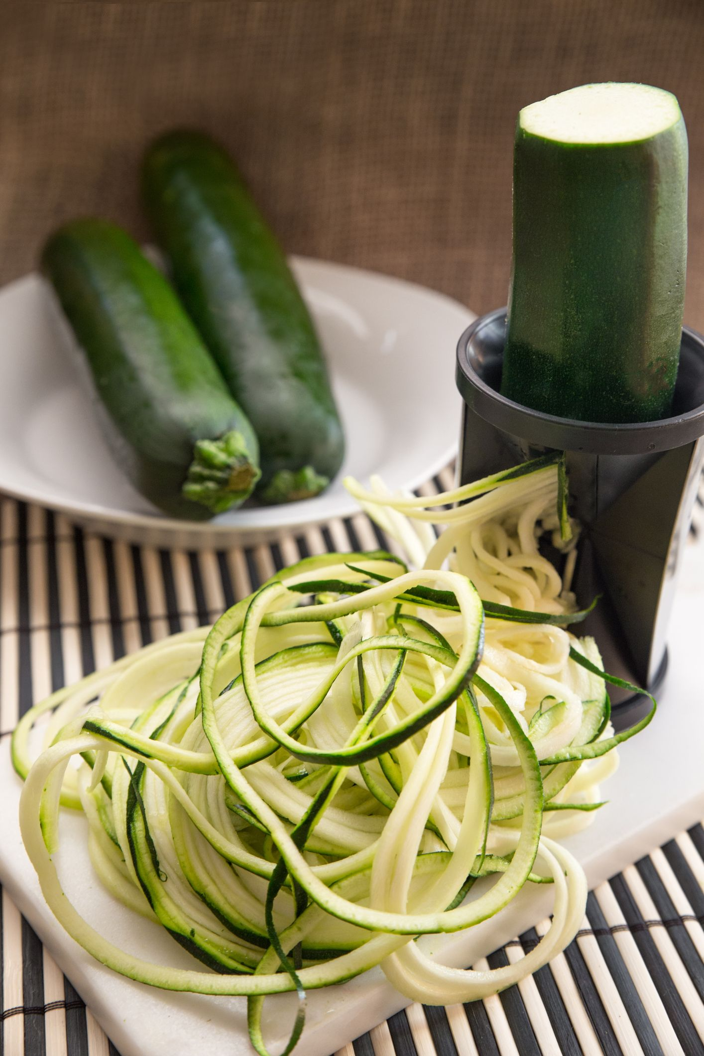 Salade de courgettes crues : recette avec des courgettes ...