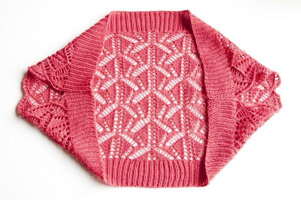 Cómo Tejer un encogimiento de hombros de encaje - Tuts + Crafts ...