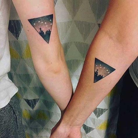 20 neue freundschafts tattoos erstes tattoo jahrzehnt. Black Bedroom Furniture Sets. Home Design Ideas