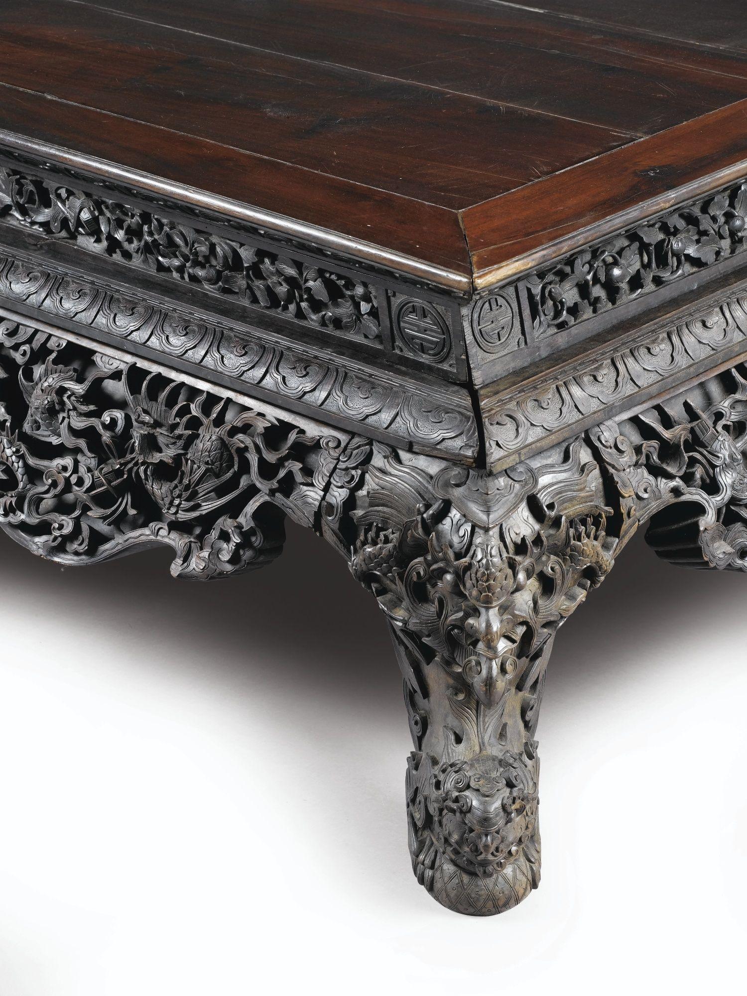 Grand lit de repos en bois de hongmu sculpté dynastie Qing