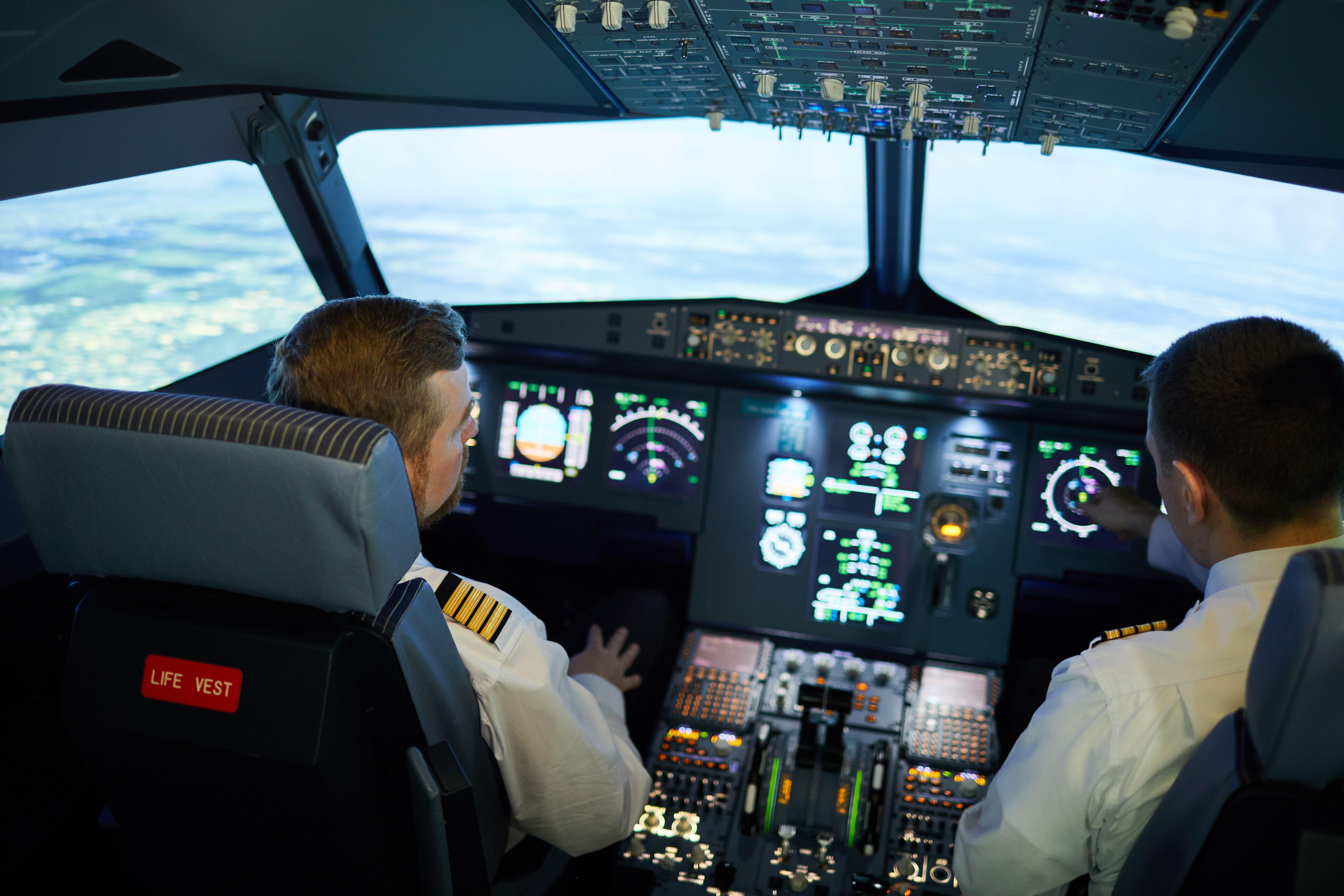 Best Flying School In India Herculesaviation Pilot Training Commercial Aviation Ccmb Hyderabad Dissertation