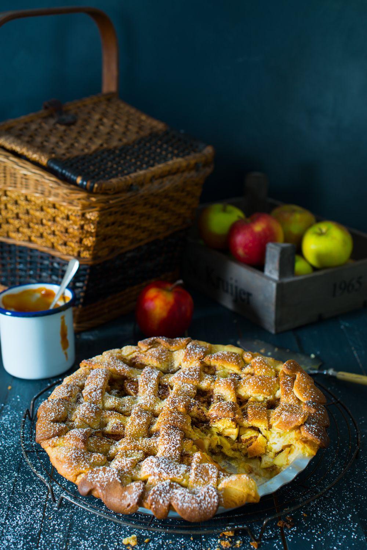 apple pie with salty caramel | by ess.raum Katharina Küllmer | www.essraum.com