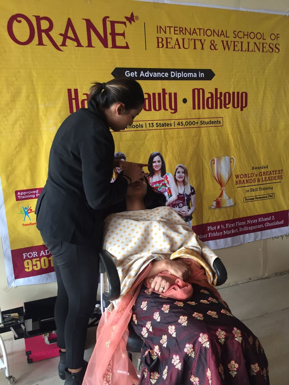 Makeup Courses in Ghaziabad with Orane International