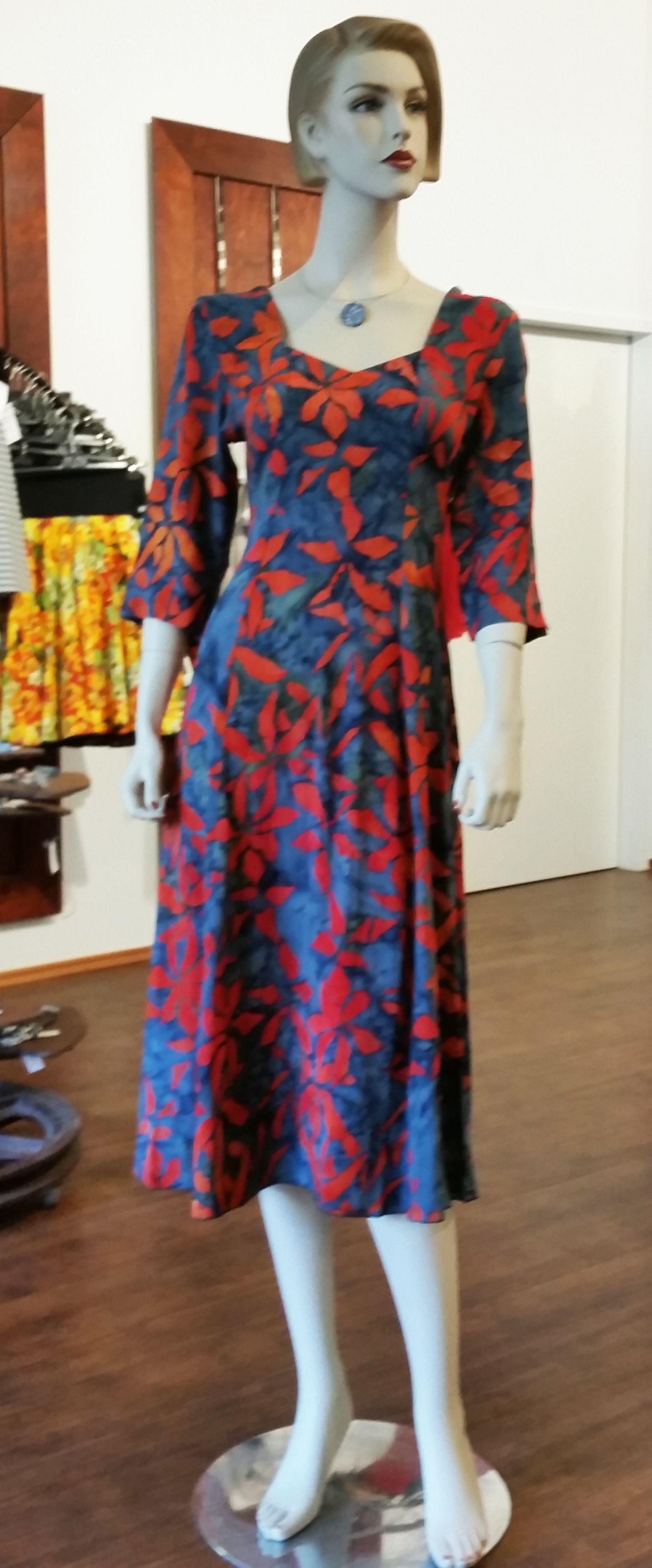 Maxikleid von Campur mit 3/4 Arm. Farbenfrohe Sommerkleider aus Viskose luftig, leicht, super bequem.
