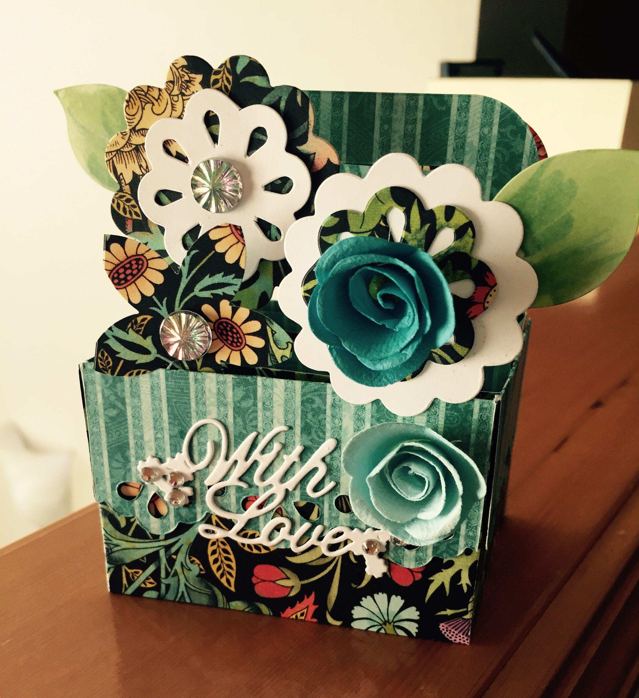 Sizzix BigZ XL Die #660297. Cute Fun Flower Box With