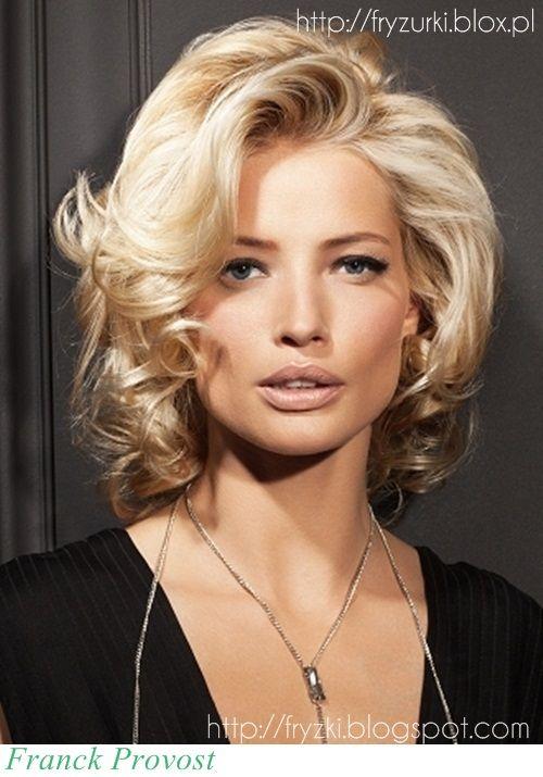 Fryzury Na Wesele Włosy Do Ramion Szukaj W Google Włosy