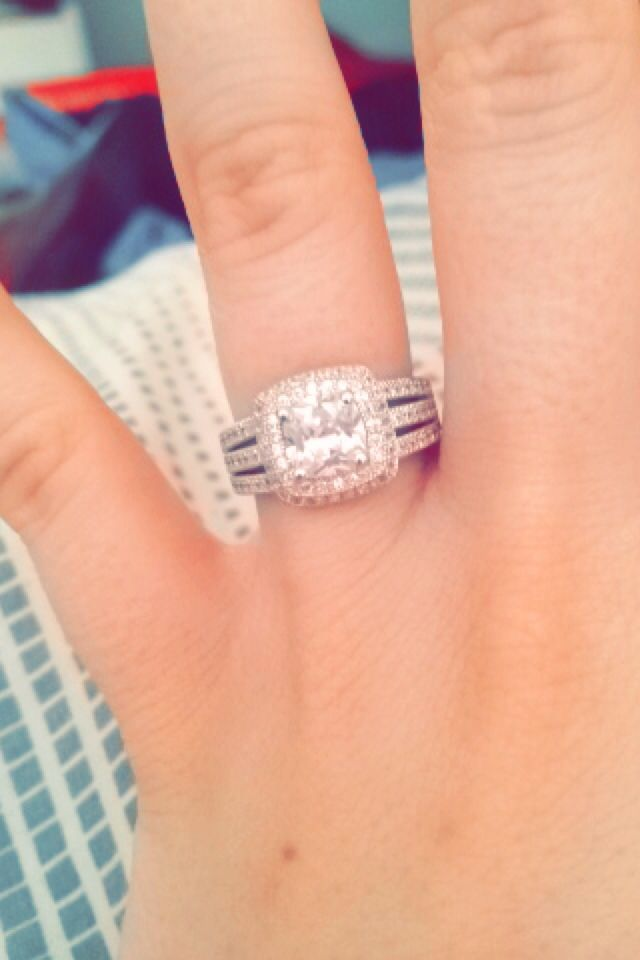 ring ❤️ #tripleshank #princesscut I'm blessed :,)