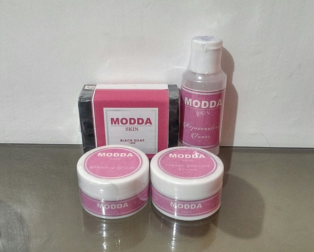 Achieve visible white skin.  Inclusion: Black Bleaching Soap, Bleaching Cream Plain, SBF Placenta SPF45 Cream, Rejuvenating Toner.    Available at http://moddaph.tictail.com.