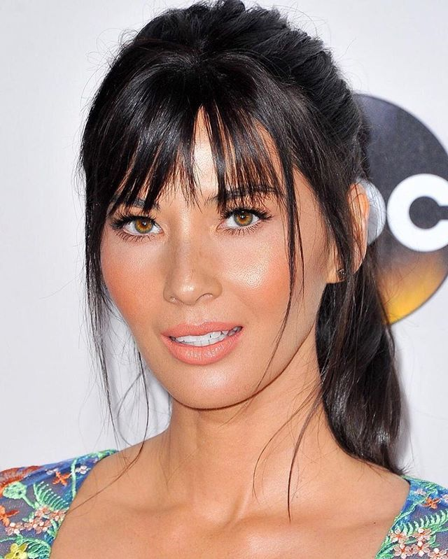 how to style hair bangs miss oliviamunn for ama s hair by laurapolko makeup by 4074