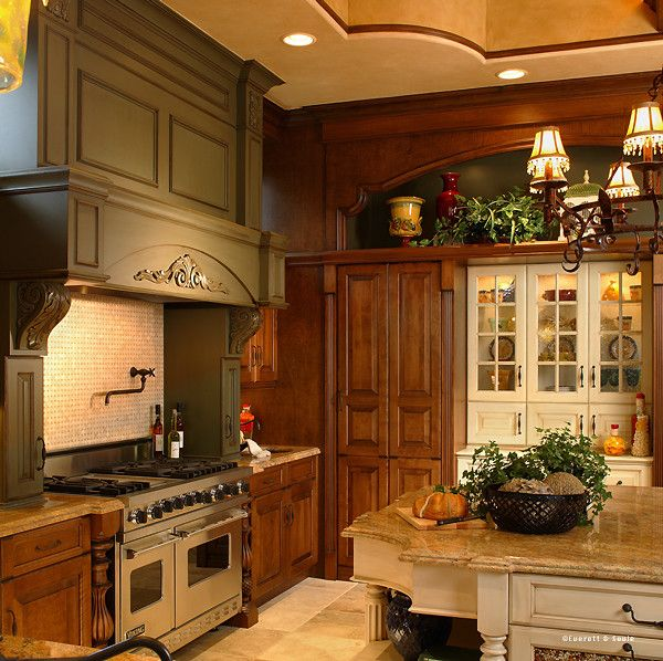 16 Absolutely Gorgeous Mediterranean Dining Room Designs: Various Woodwork/paint Colors