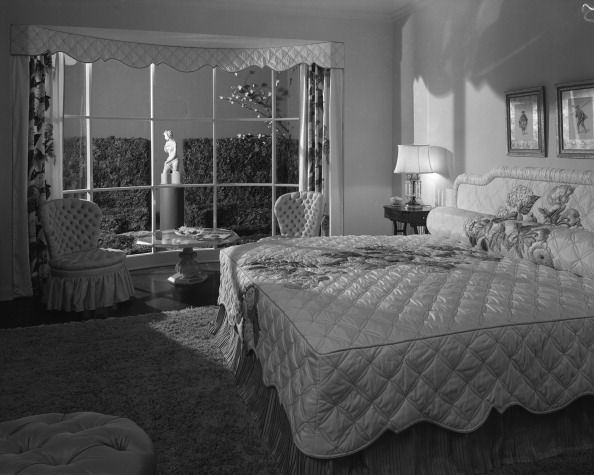 Trend house at marshall field company fields chicago for 1940s bedroom ideas