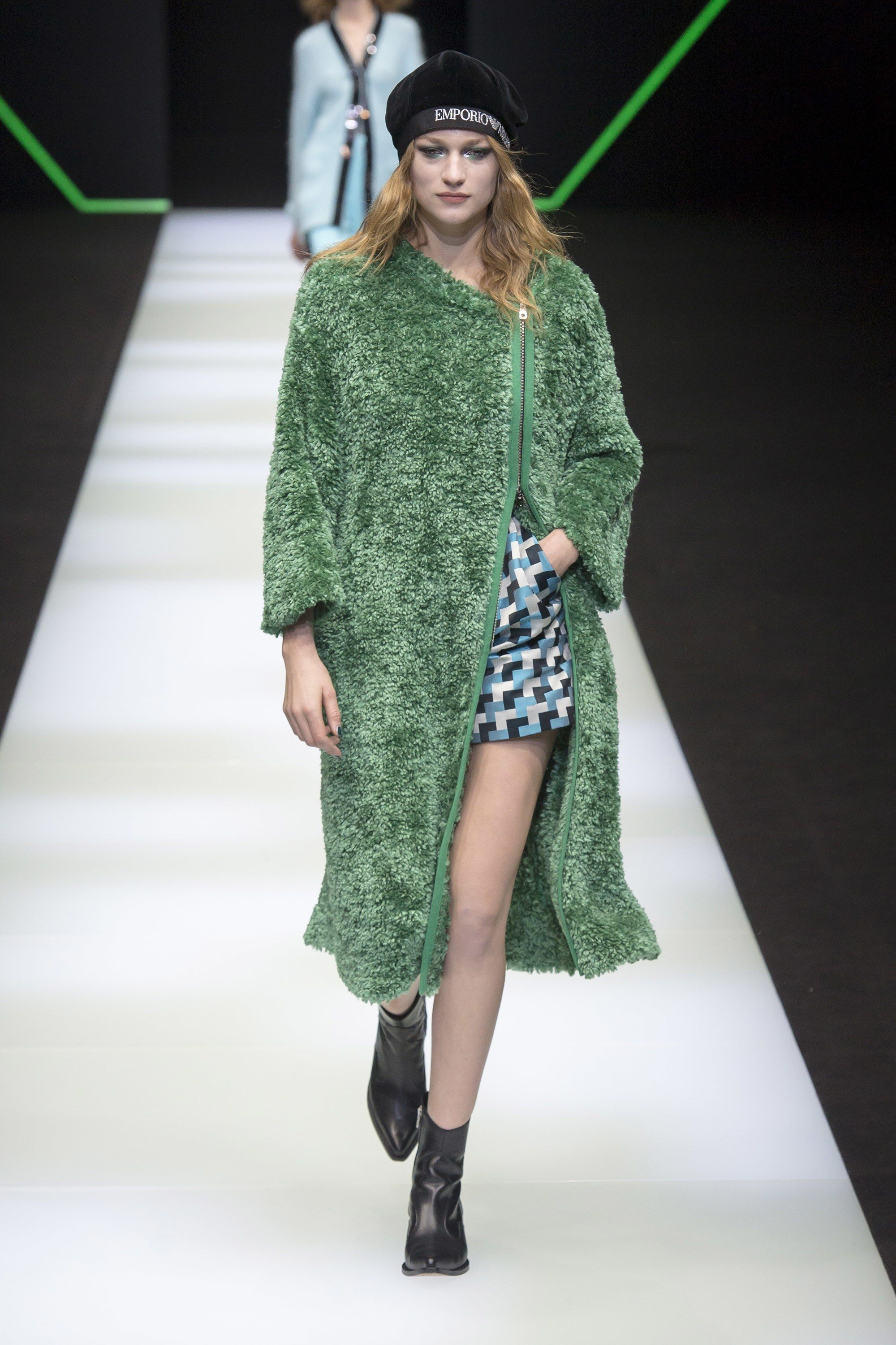 65013badee7 Emporio Armani Fall 2018 Ready-to-Wear Collection - Vogue