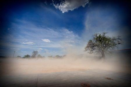 Sabbia....vento....silenzio ...caldo....secco...pace ....