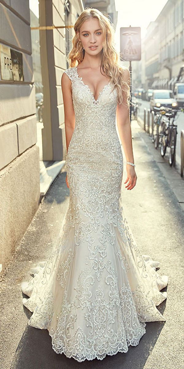 [283.60] Stunning Tulle V-neck Neckline Mermaid Wedding Dress With Lace Appliques & Beadings