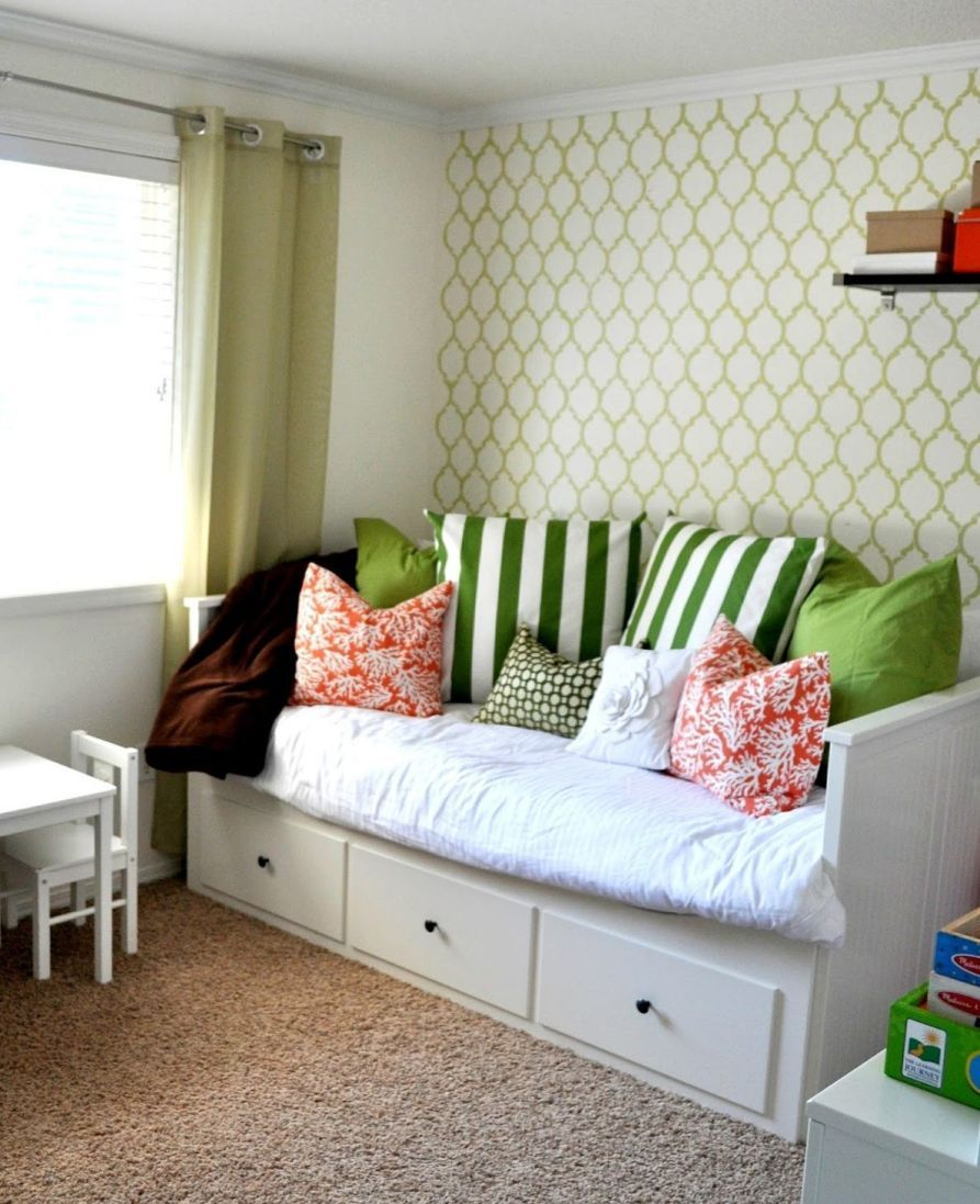 34 Cozy Office With Daybed Small Bedroom Decorating Ideas